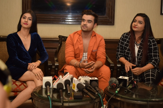 Rahul Sharma and Yaashi Sharma along with the Singer Swati Sharma